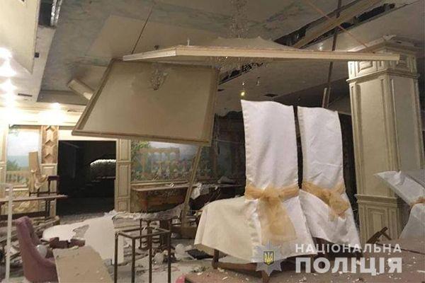 На Івано-Франківщині  підірвали ресторан вибухонебезпечною сумішшю. ФОТО
