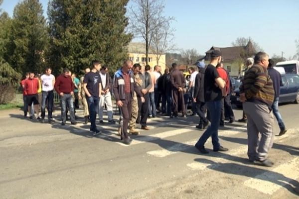 Дороги будуть. Івано-Франківську область визнали найактивнішою у боротьбі за ремонт автошляхів (Відео)