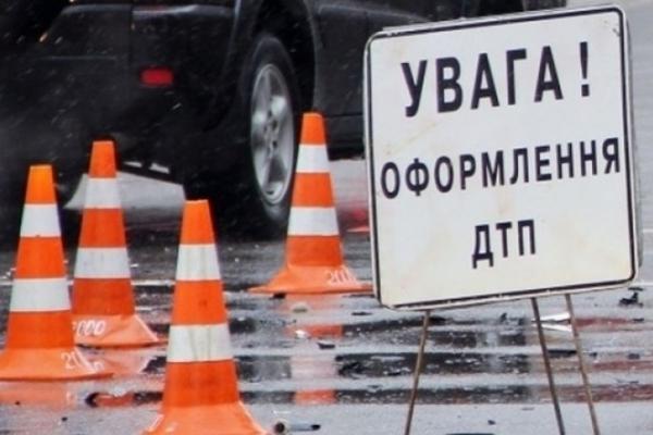 У аварії в Івано-Франківську травмовано 3-річну дитину (Фото)