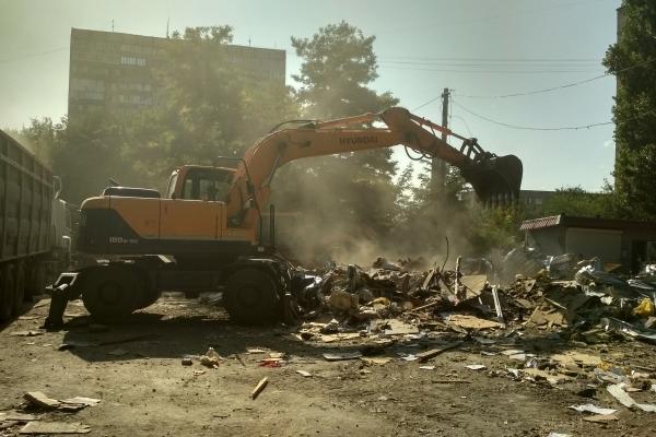 Івано-Франківск позбудеться славнозвісного «П'яного базару». Його знесуть (Фото).