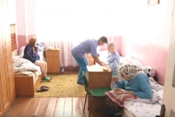 Догляд на папері: на Прикарпатті у притулку для немічних два роки немає опалення (Відео)