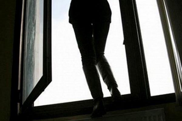 В Бурштині 21-річна дівчина намагалася покінчити життя шляхом суїциду