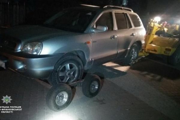 У Франківську п'яний чоловік катав дружину на Hyundai Santa Fe дворами середмістя