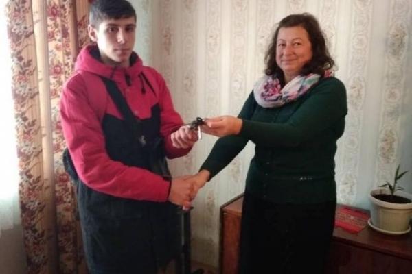 16-річному сироті з Калуша за державні гроші купили квартиру в Івано-Франківську (Фото)