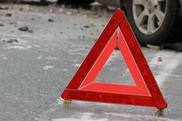 На Верховинщині водій на «бляхах» збив стареньку жінку