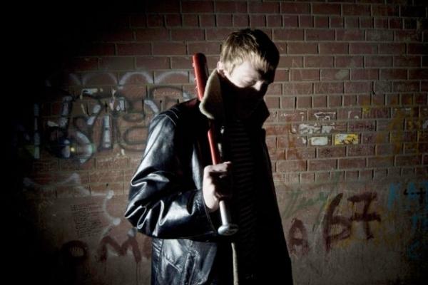 В Івано-Франківську 16-річний «гопник» нападав на людей та грабував їх