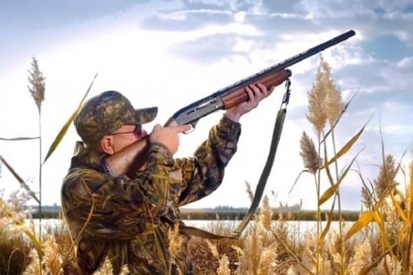На Прикарпатті чоловік під час полювання підстрелив товариша