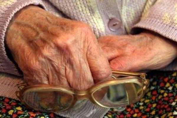 Житель Прикарпаття зґвалтував 80-річну бабусю