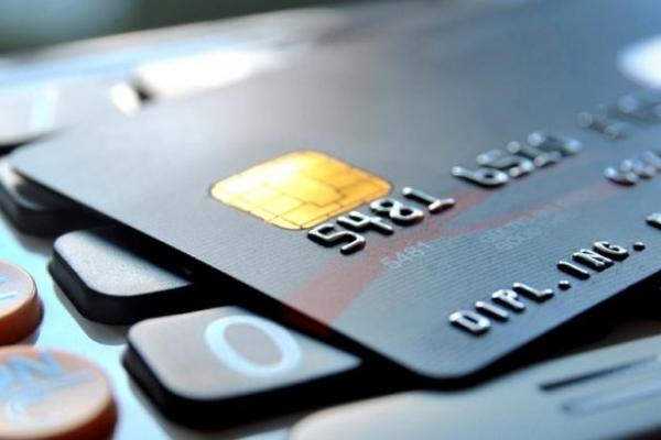 Франківська кіберполіція затримала трьох шахраїв, які крали гроші з банківських рахунків