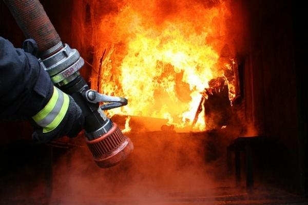 У Франківську безпритульний ледь не спалив 9-поверхівку
