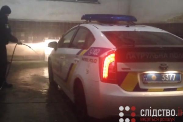 Франківські патрульні пожалілися, що їх змушують мити службові автомобілі (Фото)