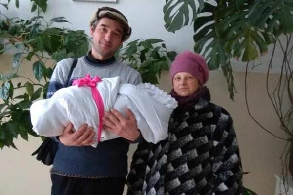 У прикарпатського священика народилася дванадцята дитина