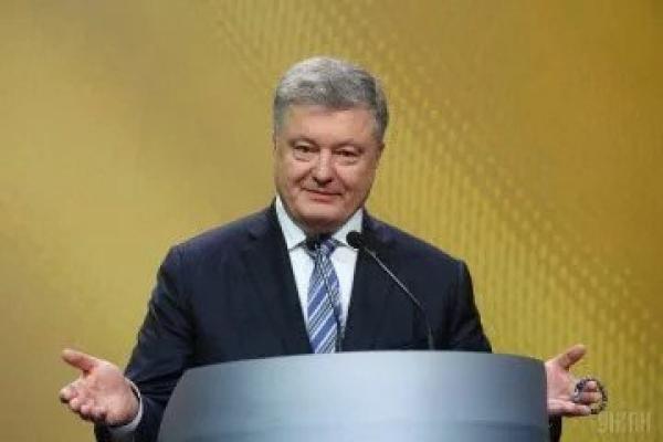 Порошенко зібрав на своєму мітингу в Києві в десятки разів більше людей, ніж Тимошенко, – блогер