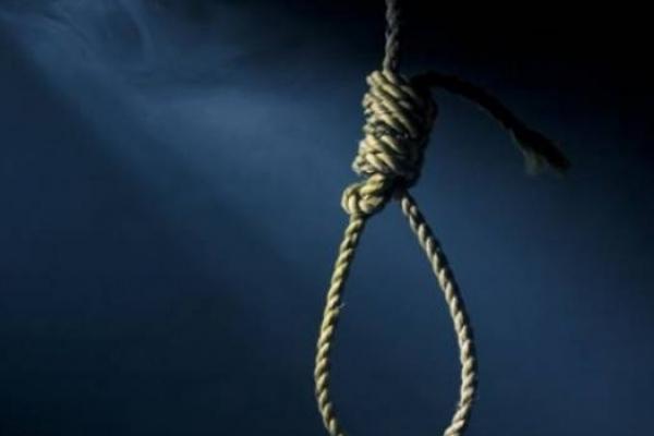 На Прикарпатті 27-річний хлопець вчинив самогубство у власному господарстві