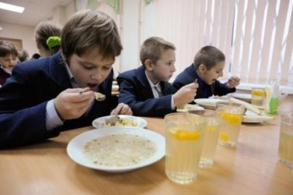 Стало відомо, у яких закладах освіти Прикарпаття неякісно годують дітей