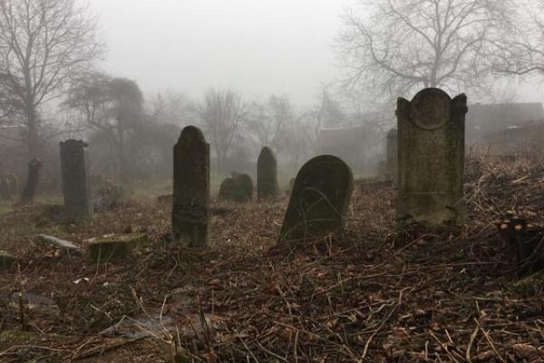 Помирати стає дорого: у Франківську підвищили ціни на ритуальні послуги