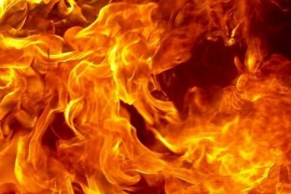 На Косівщині згоріло ціле обійстя. Загинув чоловік