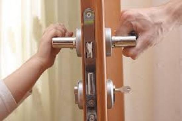 У Калуші 11-річна дитина зачинилася у квартирі