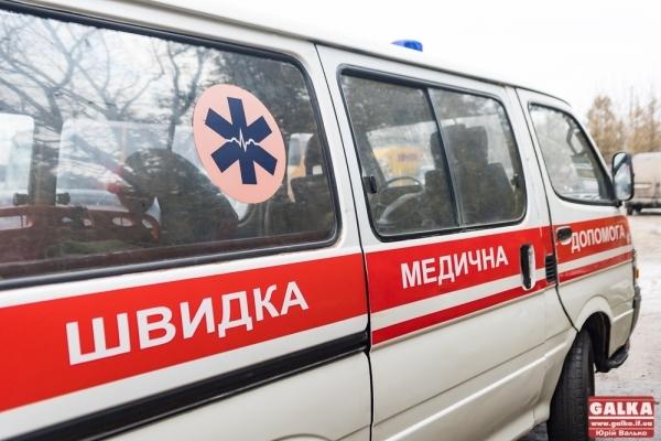 У Франківську хлопець розбивав вікна і помер від втрати крові
