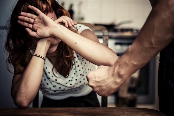 На Франківщині чоловік 10 років знущався над дружиною (Відео)