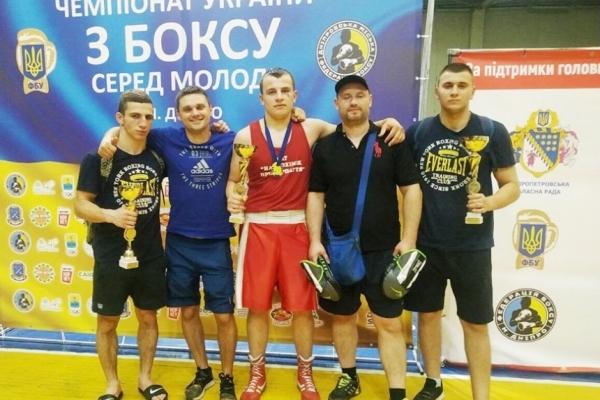 Прикарпатські боксери вибороли третє місце на чемпіонаті України з боксу