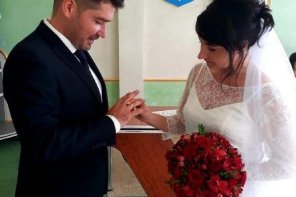Один із останніх холостяків серед депутатів Івано-Франківської міської ради сьогодні одружився (Фото)