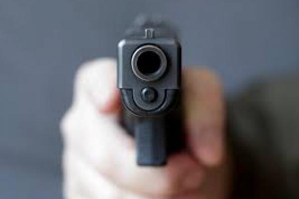 Стрілянина у Франківську: чоловік на вулиці стріляв з травматичного пістолета