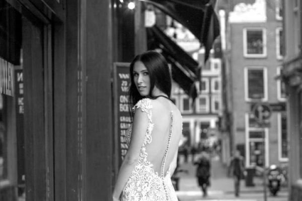 359d72cd9b14ba Як весільні сукні з Івано-Франківська підкорюють світ (Відео)