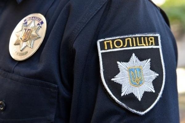 Івано-Франківські патрульні завадили чоловікові вкоротити собі віку