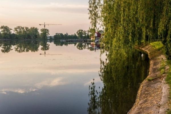 У міському озері відпочивальник спіткнувся об тіло потопельниці