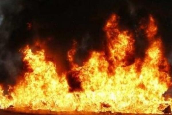 Пожежі на Прикарпатті: горіло два будинки, підвал багатоповерхівки та сарай