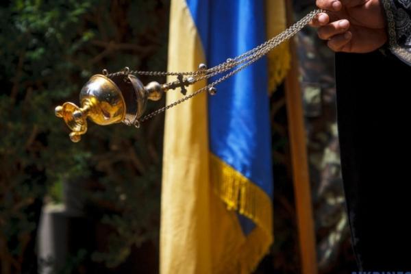 На Прикарпатті понад 15 тисяч вірян молилися за мир в Україні