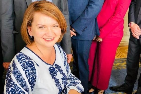 «Міська рада навчила мене інтуїтивно відчувати»: депутатка Оксана Савчук склала присягу