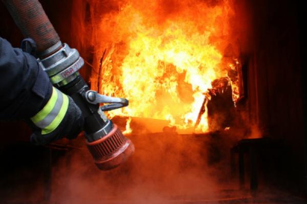 Трагедія на Прикарпатті: внаслідок пожежі у дитячому таборі загинув юнак