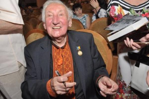 У Лондоні пішов з життя відомий бандурист з Франківщини Володимир Луців