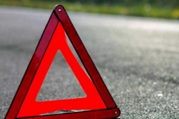 На Калущині автівка злетіла з дороги в кювет: Двоє травмованих
