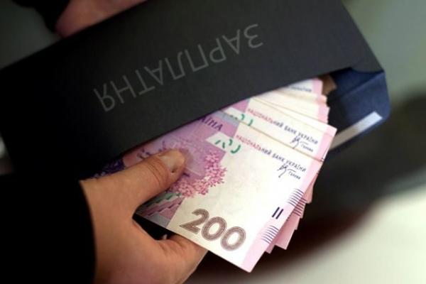 Медикам Надвірнянщини боргують вісім мільйонів гривень зарплати
