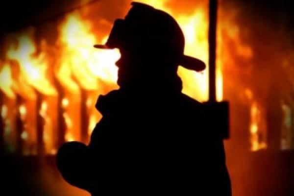 На Прикарпатті у підсобці Львівської залізниці згорів чоловік