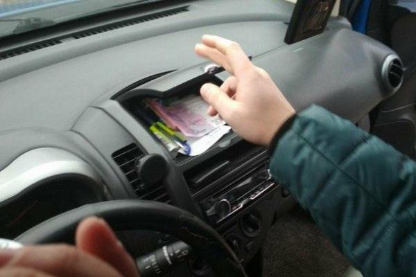 У Франківську водій хотів підкупити патрульних за 200 гривень