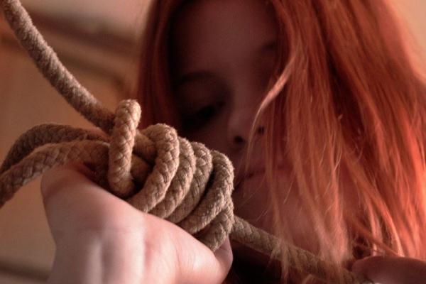 На Прикарпатті 16-річна дівчина покінчила із собою