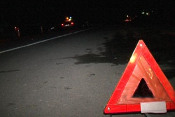 На Прикарпатті рятувальники витягували тіло чоловіка з-під автівки