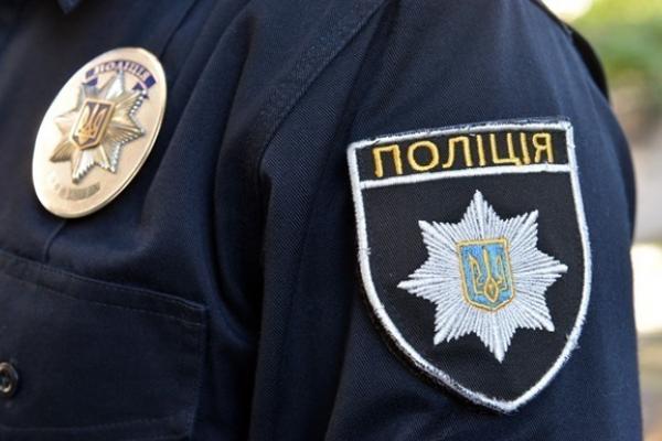 У Вовчинцях поліцейські затримали чоловіка, який вчинив наругу над могилами