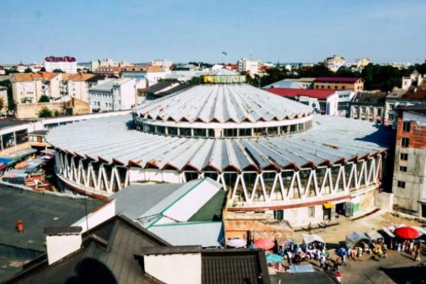 Скандал навколо Центрального ринку Івано-Франківська: хто кому рейдер?