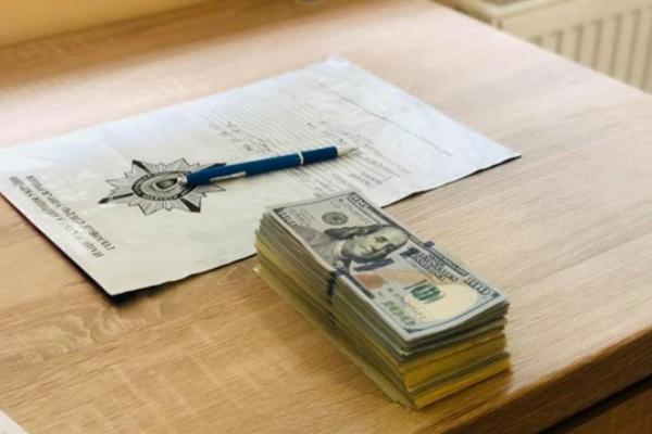 Поліція знайшла шахраїв-валютників, які виманили у франківця 25 тисяч доларів