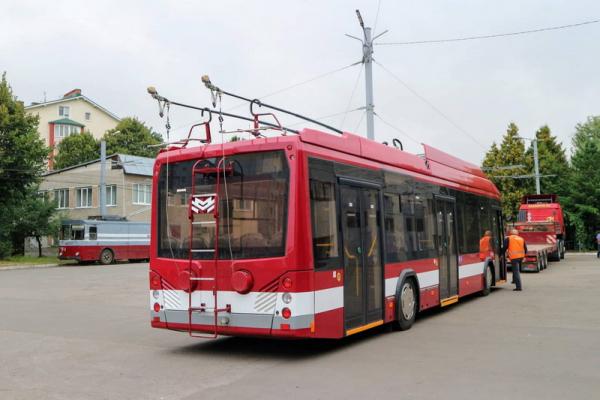 У Франківську два комунальні автобуси змінять графік руху. Схема