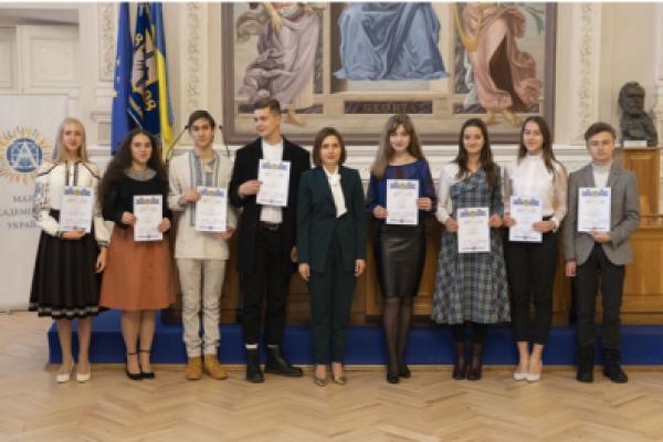 Четверо франківських школярів стали стипендіатами Президента України
