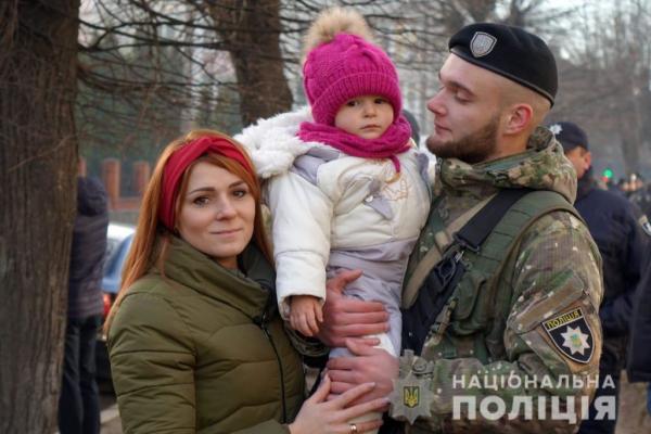 30 поліцейських Івано-Франківщини вирушили у зону проведення ООС (Фото)