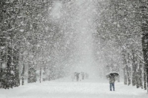 На вихідних на Прикарпатті буде дощ зі снігом та ожеледиця