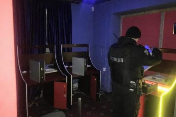 У Коломиї закрили гральний заклад. Вилучили техніку і чорну бухгалтерію