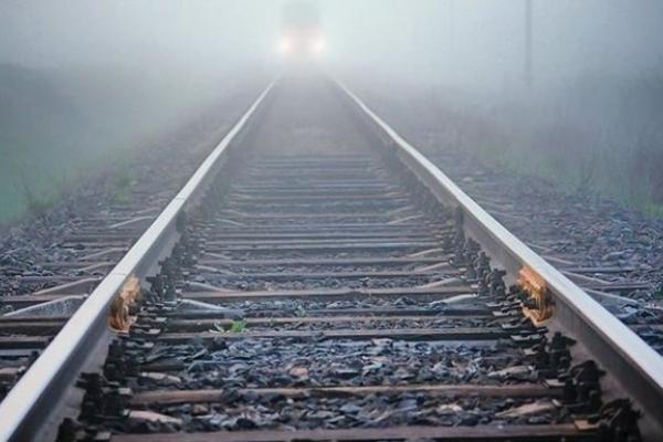 Залишила записку і лягла на колію: молода волинянка загинула під потягом на Прикарпатті